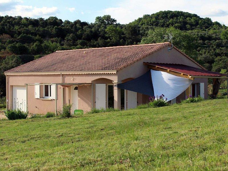 Maison indépendante près des gorges de l' Ardèche à Lagorce, holiday rental in Lagorce