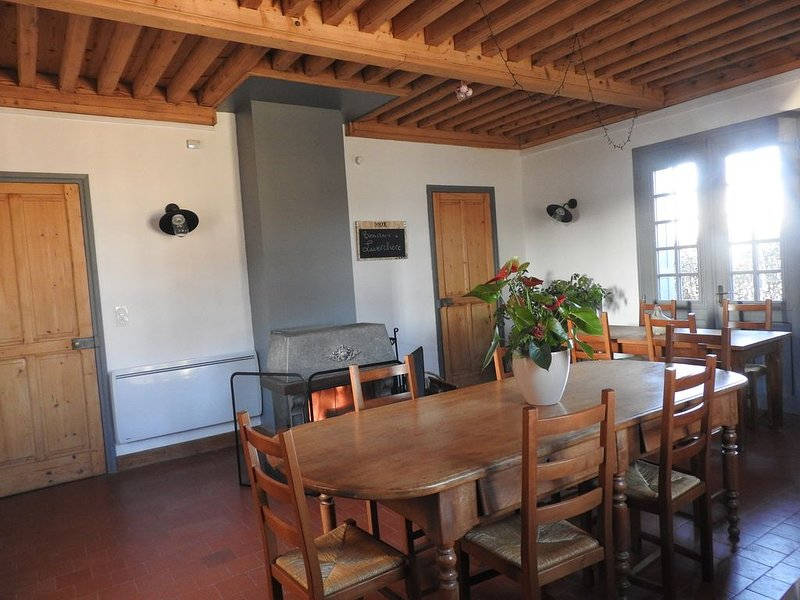 Ferme dans un village clunisien, holiday rental in Boen-sur-Lignon