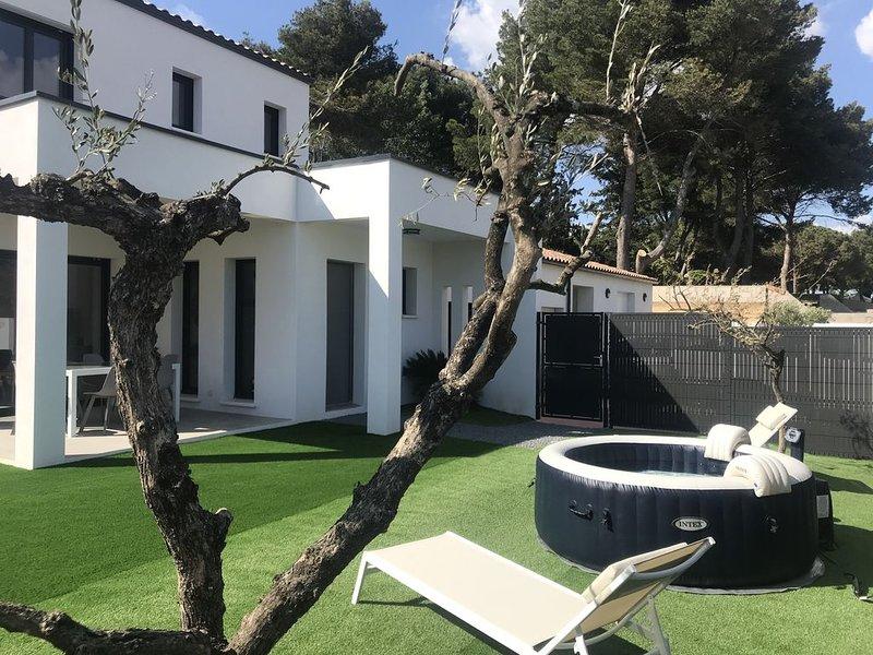 Valras plage villa neuve 3Ch de 100m2 avec Jacuzzi, holiday rental in Serignan