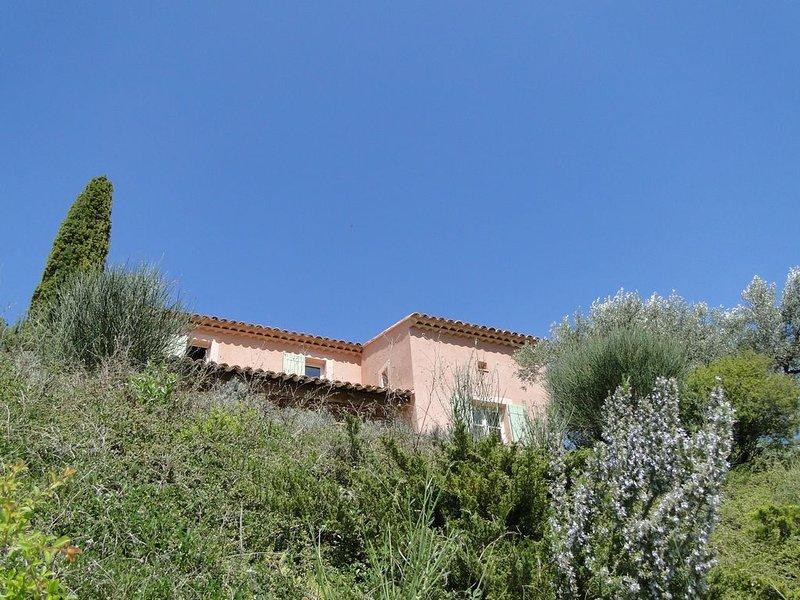 Villa Ventoux climatisée et piscine chauffée à Buis les Baronnies, holiday rental in Eygaliers