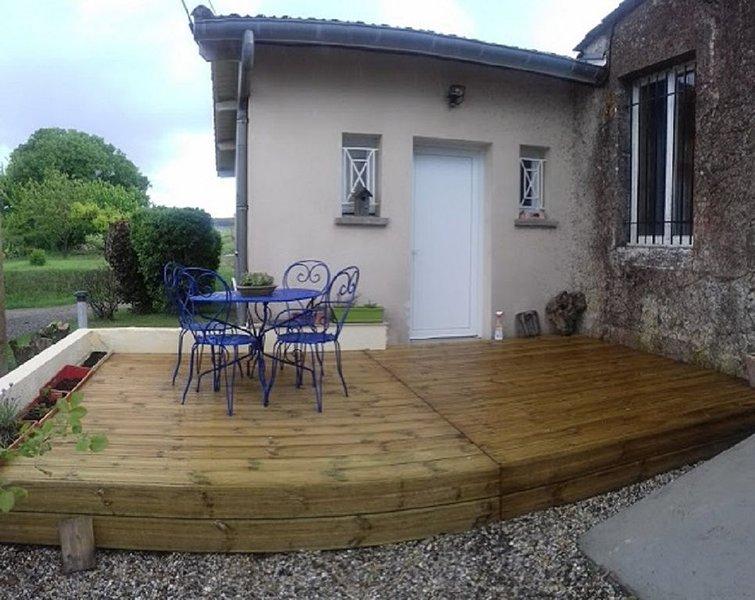 Studio en Entre deux Mer, holiday rental in Pujols-Sur-Ciron