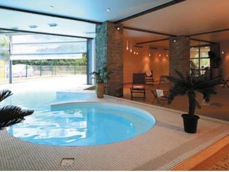 T2 Résidence 3 étoiles, Piscine Chauffée, sauna, hammam, proche remontées, holiday rental in Cauterets