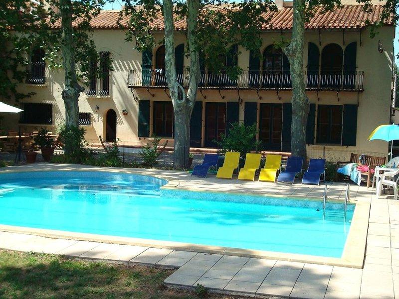 Mas catalan avec piscine et jardin, holiday rental in Millas
