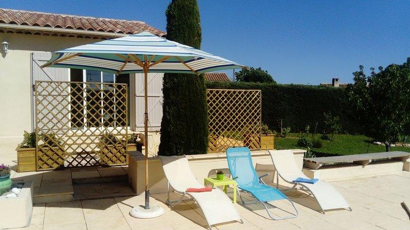 Logement indépendant et piscine, location de vacances à Correns