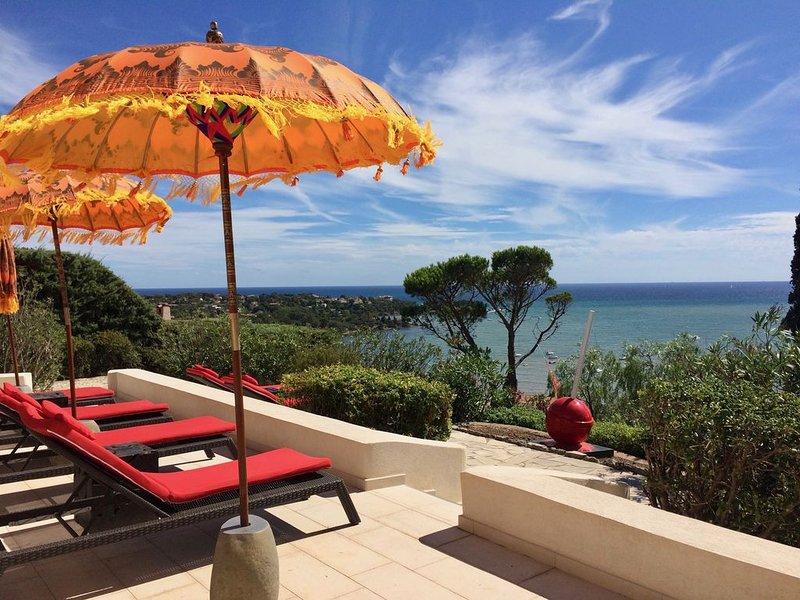 Villa au calme, rénovée en juin 2018, face à la Méditerranée,, holiday rental in Agay