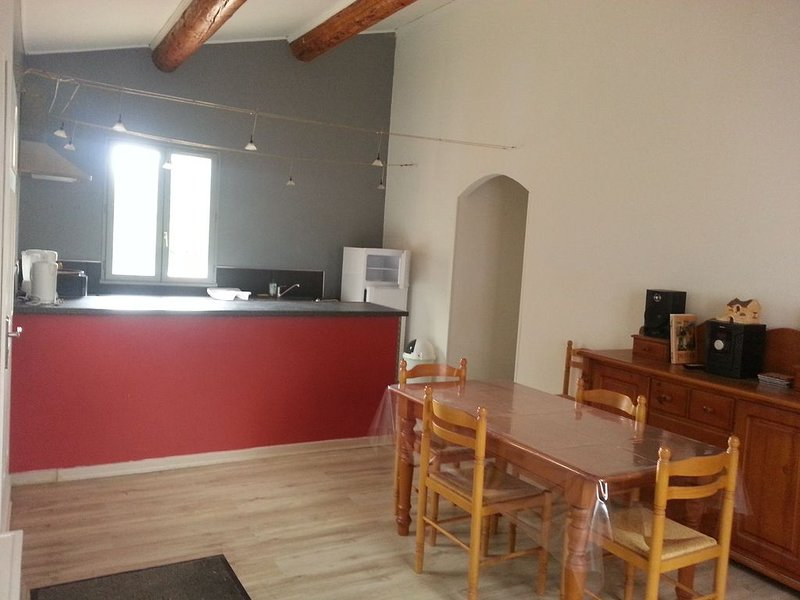 Appartement 50m2 tout confort, holiday rental in Grambois