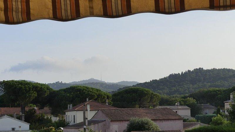 Proche plages, joli appartement 65 m2, 2 ch avec vue, dans résidence très calme, casa vacanza a La Seyne-sur-Mer
