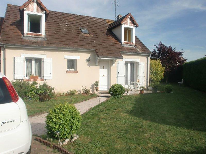 Chambre chez l'habitant,dans un lotissement au calme, location de vacances à Germigny-des-Pres