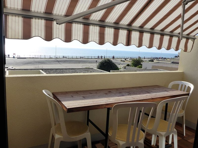 T2 Duplex front de mer, vacation rental in Lacanau