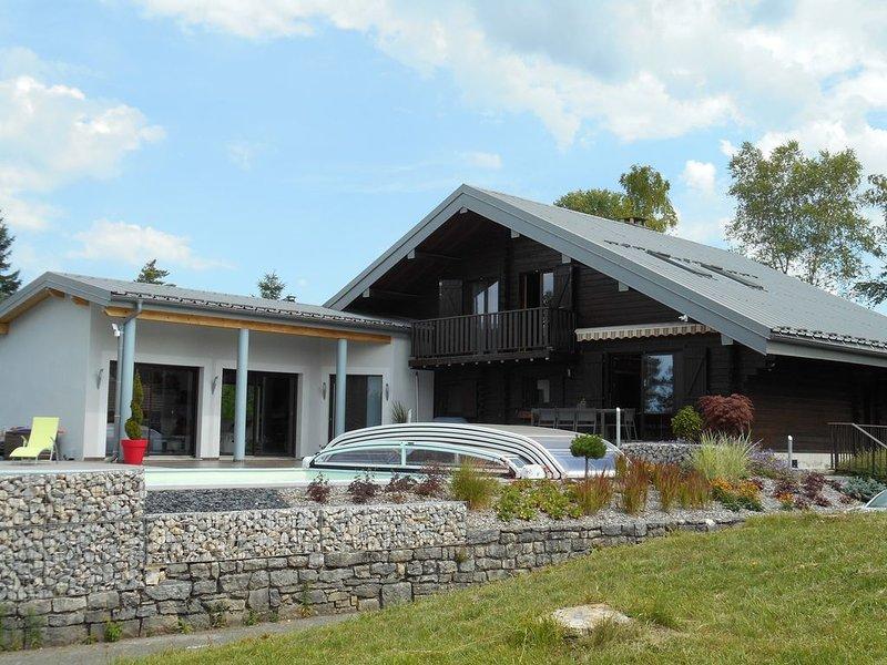 Villa au dessus du lac de Vouglans, holiday rental in Clairvaux-les-Lacs