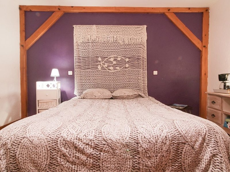 CHAMBRE DANS MAISON DE VILLAGE, holiday rental in Fouchy