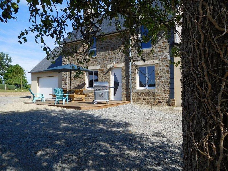L'abricottage : gite 8/10 personnes entre baie et bocage, location de vacances à La Chapelle-Urée