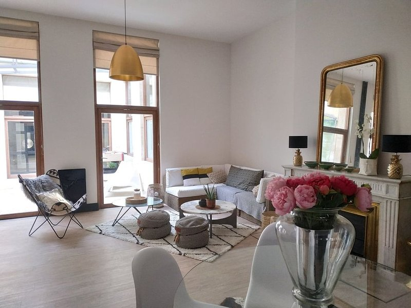 Appartement, Extérieur, Centre entre Jardin-public Chartrons Quinconces Quais, vacation rental in Bordeaux