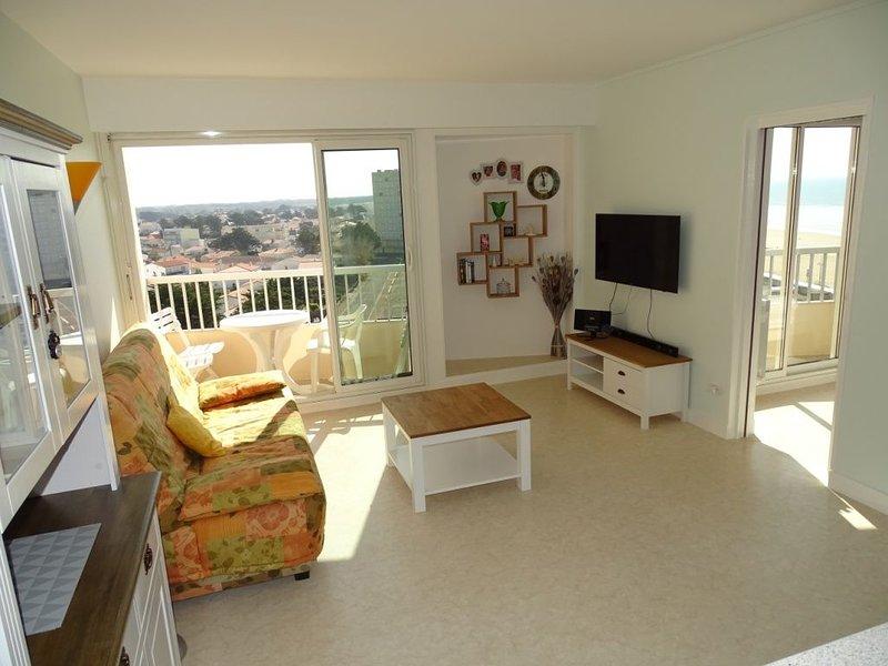 Appartement T2 - 47 m2 rénové avec vue latérale sur mer à  50 m de la plage, aluguéis de temporada em Saint-Jean-de-Monts