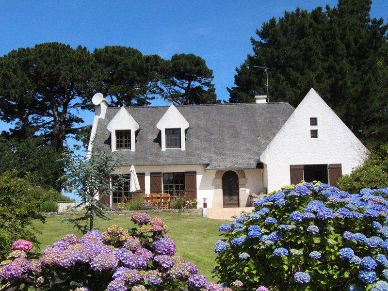Maison à 100m de la plage toute équipée avec jardin et Terrasse  - 2 à 8/10pers., alquiler de vacaciones en Louannec