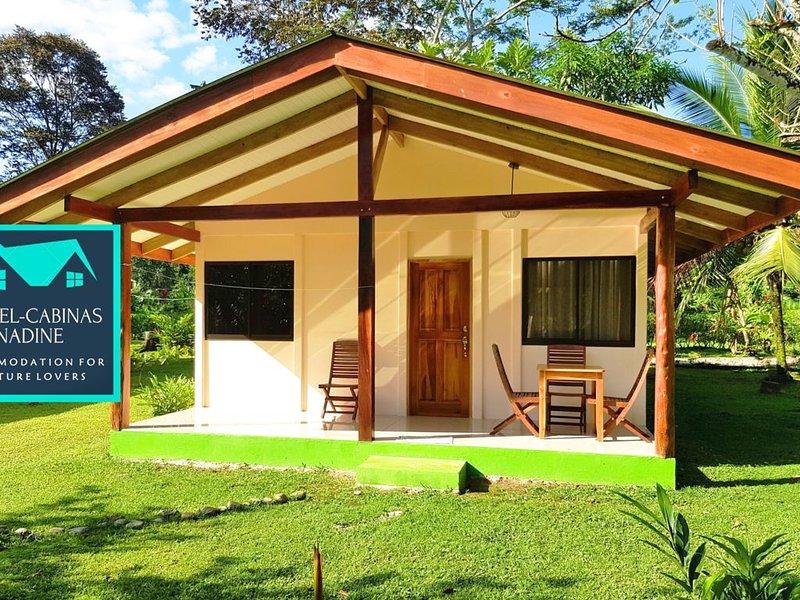 Casa Melocotón 4 pers (Hotel-Cabinas Nadine), holiday rental in Cahuita