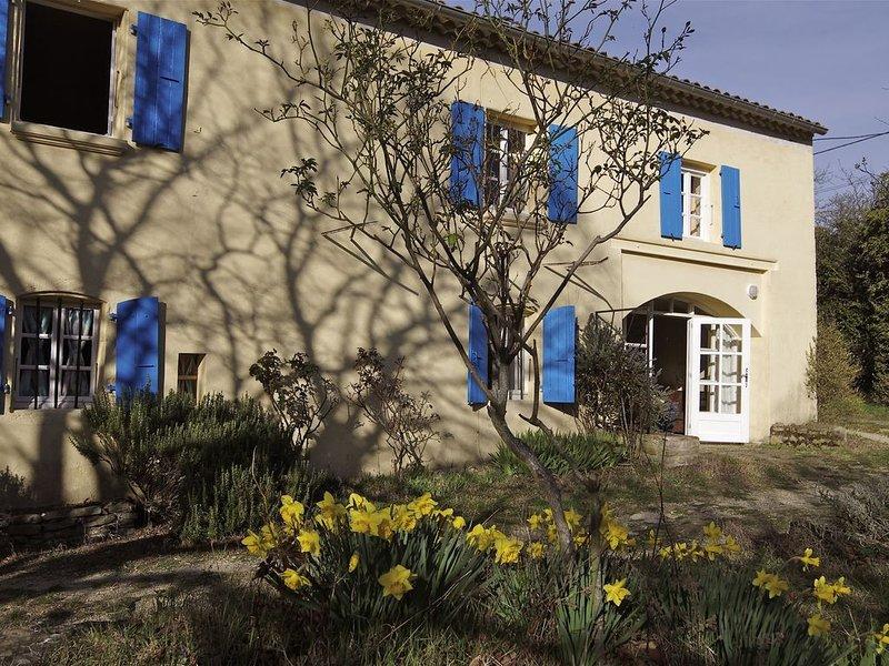 Au coeur de la Drôme Provençale Gite La Colline Les BUIS, holiday rental in Roynac