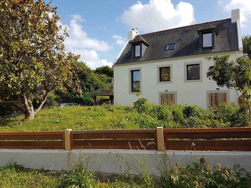 Belle Ile - Sauzon - Maison  entièrement rénovée avec jardin 10 personnes -, location de vacances à Belle-Ile-en-Mer