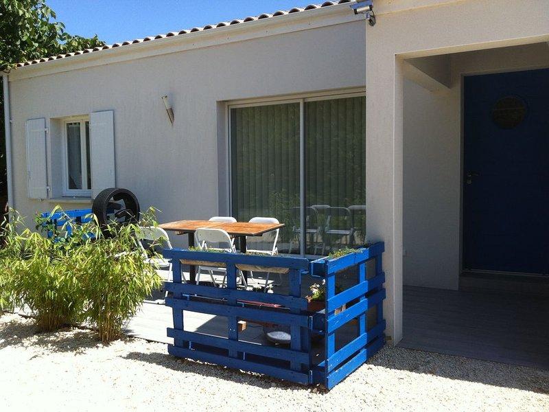 Gîte classé 3 étoiles, 4 personnes proche de la mer, vacation rental in Saint Nazaire sur Charente
