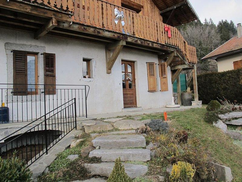 --- appartement dans ancienne ferme savoyarde --, holiday rental in Passy