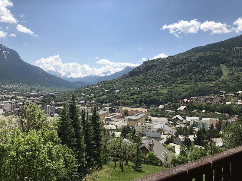 Appartement Briançon serre chevalier 40m² 2 pièces + coin montagne, location de vacances à Hautes-Alpes
