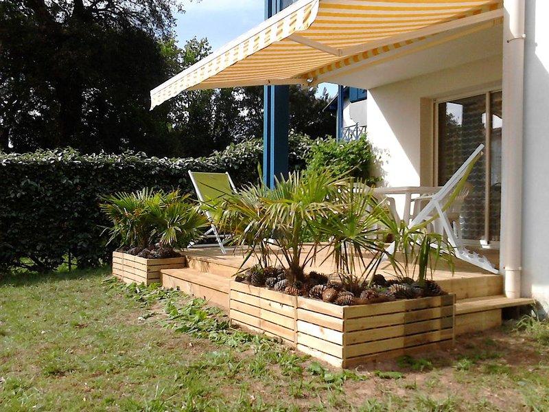 CAPBRETON Appar. T2 jardin clos terrasse, résid. calme arborée, 150m port, casa vacanza a Hossegor