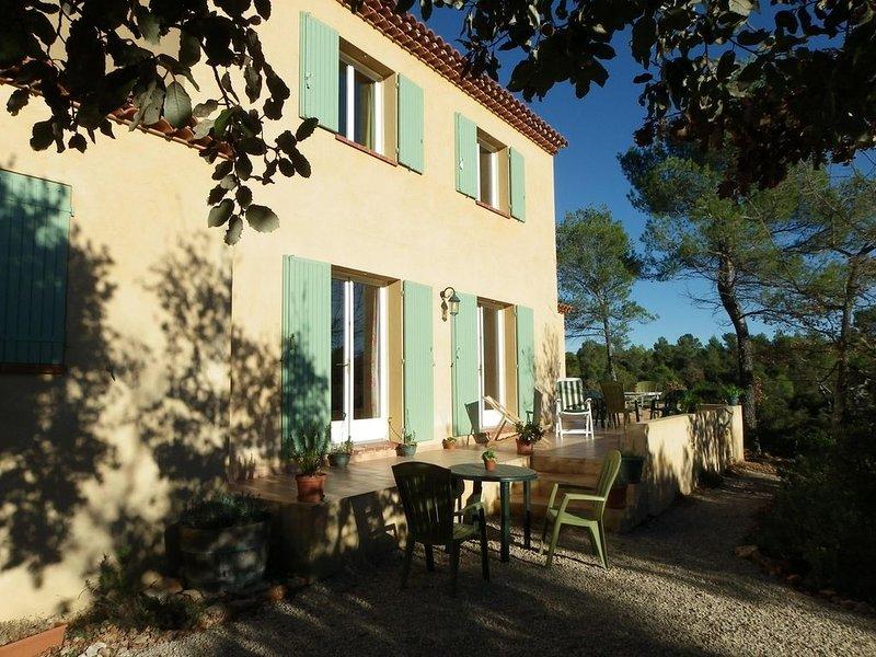 Villa en Provence haut-Var, holiday rental in La Verdiere