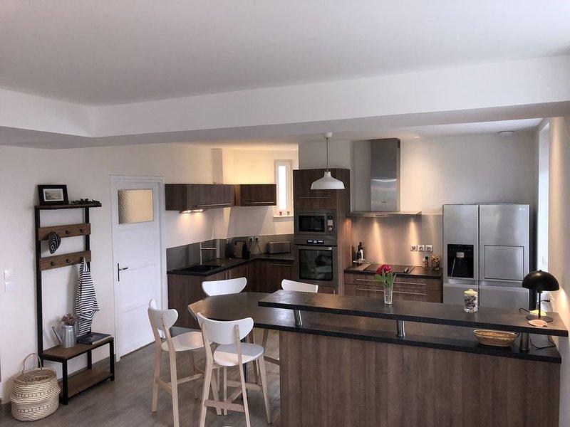 Maison du Phare (en service) :  charme , authenticité et vue exceptionnelle, holiday rental in Colleville-sur-Mer