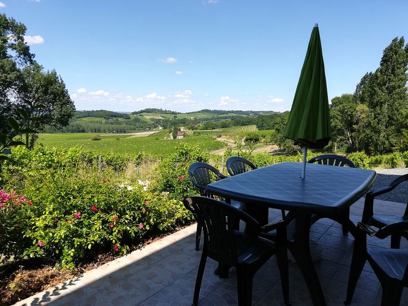 Appartement pour 4 personnes au coeur du vignoble, vacation rental in Pomport