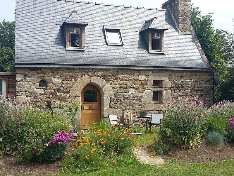 Gîte 3 pers. entre Terre et Mer Bretagne Nord, holiday rental in Ploumilliau