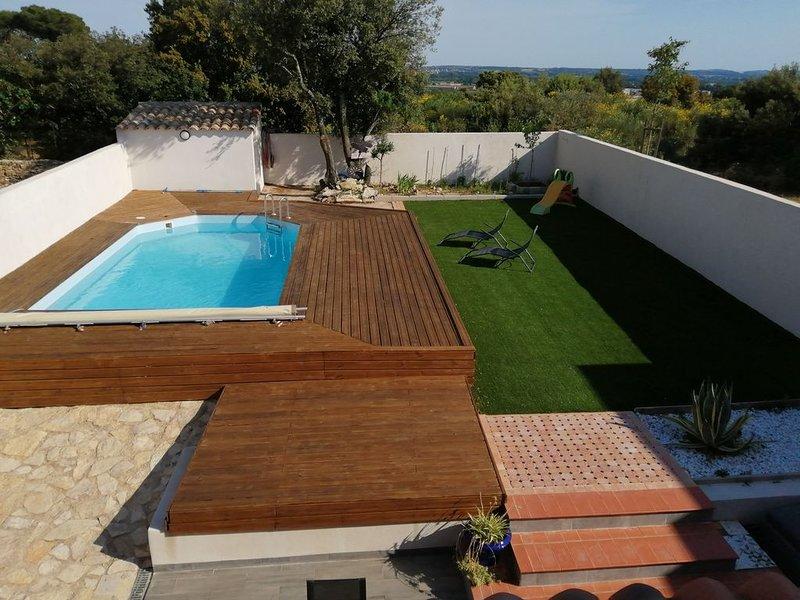 Maison villas avec piscine sur Nîmes, location de vacances à Saint-Gervasy
