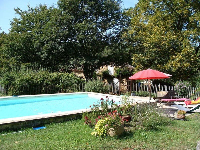 Maison de caractère et sa piscine privée, location de vacances à Cassagnes