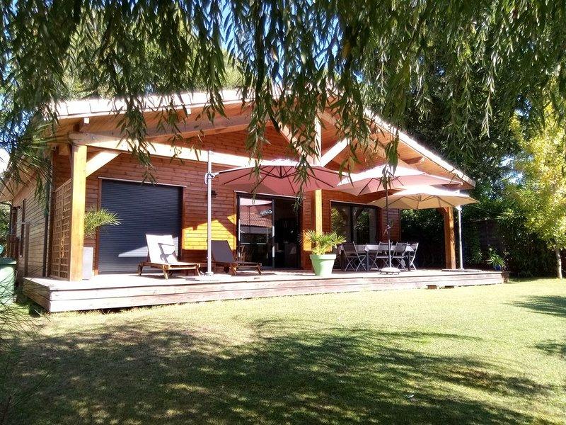 Maison charme et confort proche lac Lacanau, holiday rental in Le Temple