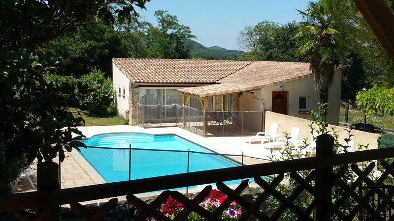 Quatre cottages indépendants dans un ancienne ferme, avec piscine – 'Loire', alquiler vacacional en Aigues-Vives