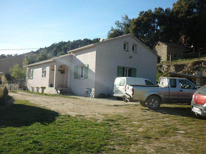 Maison idéale pour des vacances entre amis et amoureux de la montagne, aluguéis de temporada em Valle-di-Rostino