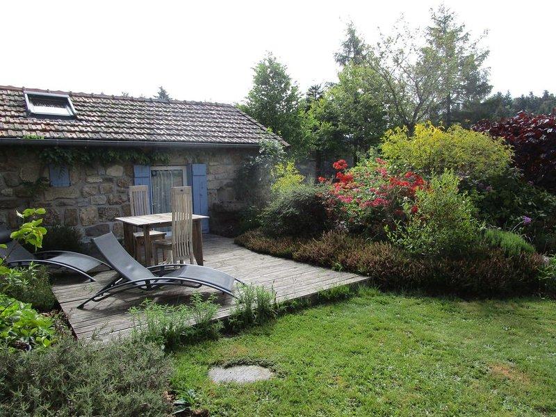 Gîte d'Odile 3* - dans l'aile d'une batisse de caractère, location de vacances à Saint-Bonnet-le-Froid