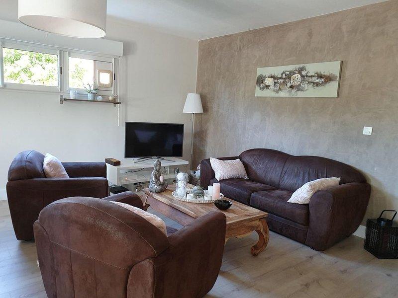 T3 dans résidence de standing climatisé Salon de Provence, location de vacances à Eyguières