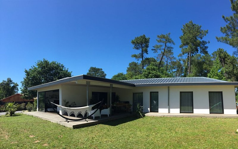 Maison d'architecte à Ondres, entre landes et pays basque, holiday rental in Saint Andre de Seignanx
