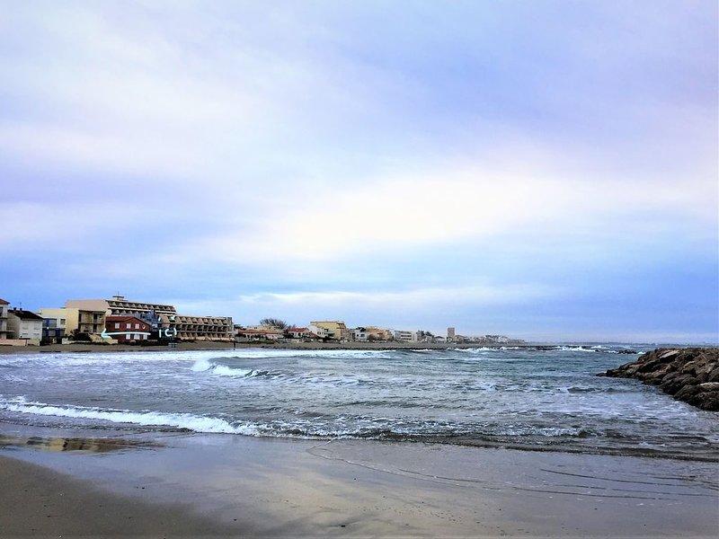vue magique sur la mer les pieds dans l'eau, location de vacances à Carnon