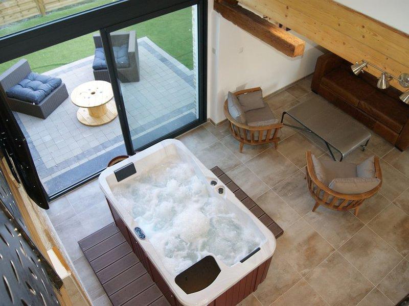 GITE DE CHARME AVEC SAUNA ET SPA PRIVE TERRE, holiday rental in Saint-Pierre-Brouck