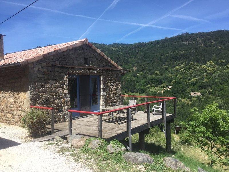 Authentique Bergerie , Charmant Loft pour 2 Pers. Lamastre-Fontbonne-Nozières, holiday rental in Satillieu
