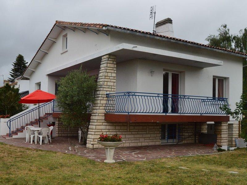 Maison de vacances clos situé a 5 km de la mer, vacation rental in l'Eguille sur Seudre