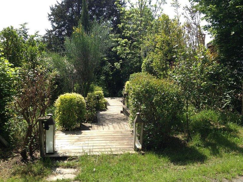Maison de charme, trés proche Bordeaux à 30 minutes, casa vacanza a Sadirac