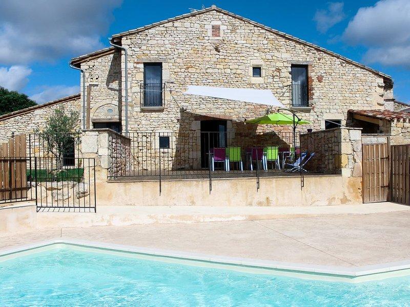 Grand Gite avec piscine chez le vigneron Indépendant, holiday rental in Senouillac
