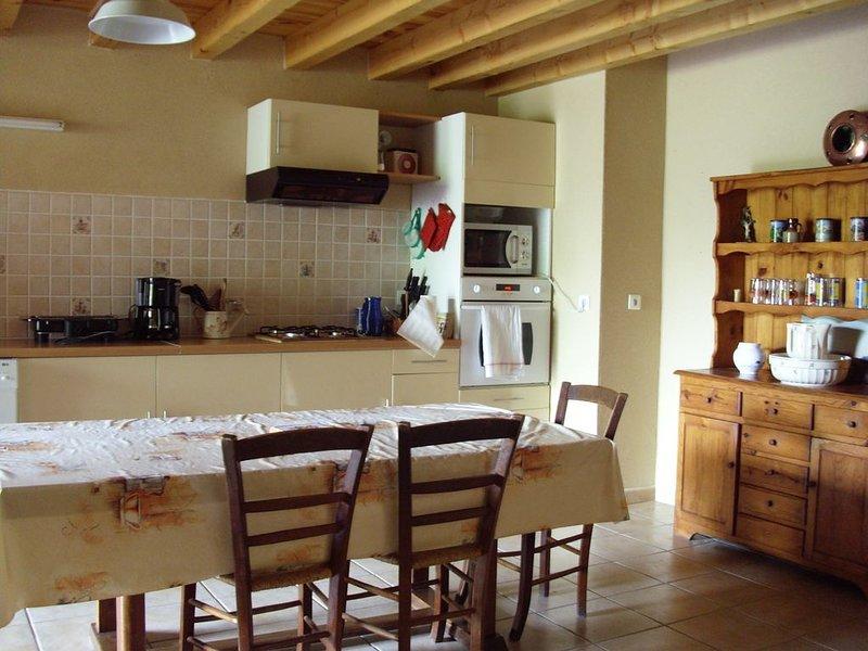 gite spacieux à la campagne, holiday rental in Puymiclan