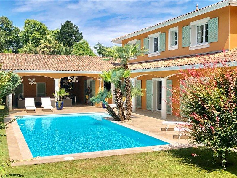 LUXUEUSE VILLA PISCINE SUR LES HAUTS DE BIARRITZ, vacation rental in Biarritz