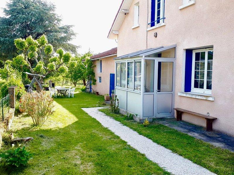 La maison aux volets bleus, casa vacanza a Chancelade