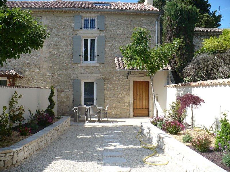 Gîte au coeur des chênes truffiers, lavandes et vignes, location de vacances à La Baume-de-Transit