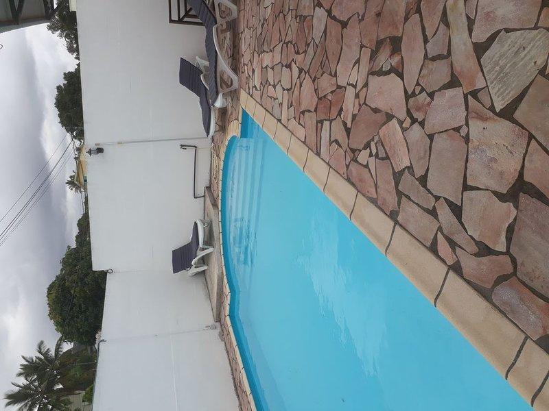 Maison avec piscine tout équipé, location de vacances à Le Ouaki