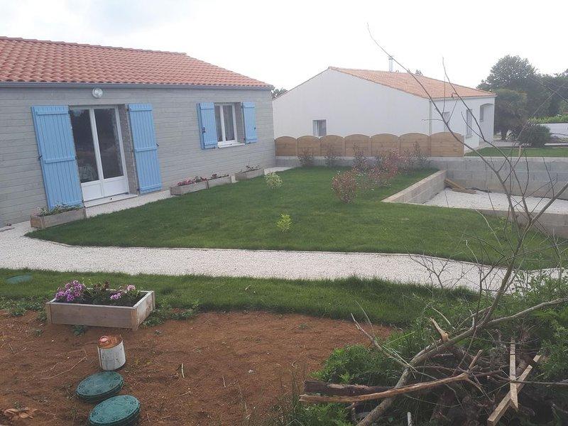 'le chalet vendéen' petite maison libre à l'année pour une ou plusieurs nuitées, location de vacances à Poiroux